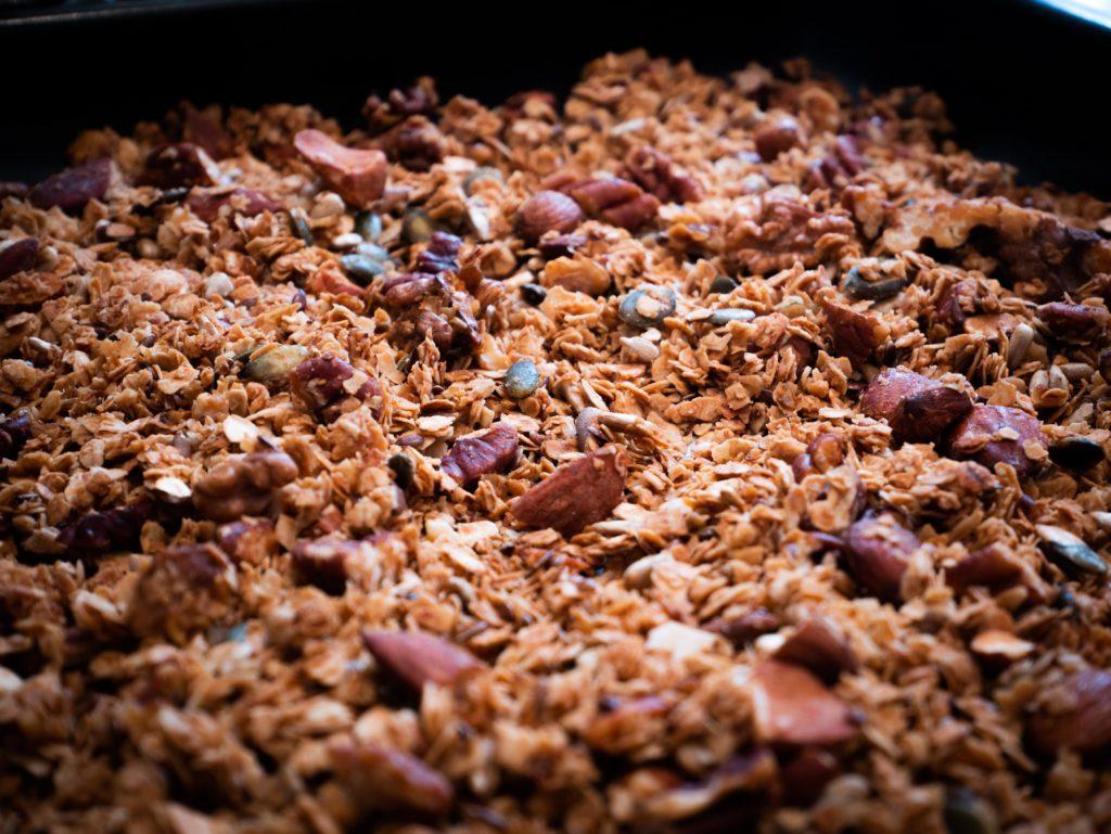 Granola aux amandes et noix de pécan